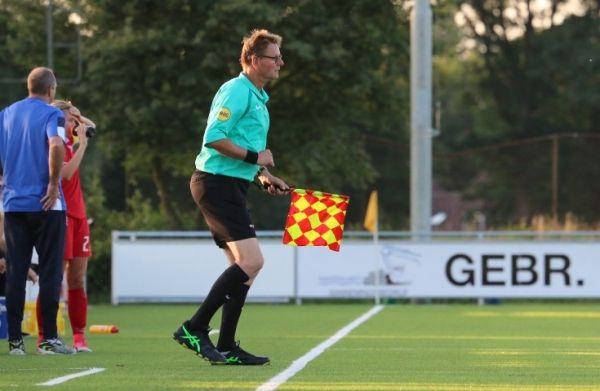 Assistent scheidsrechter  Peter Geerdink
