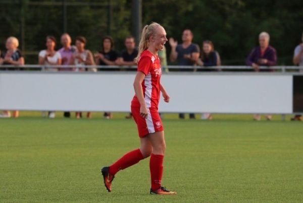 een prachtig doelpunt de 2-1 voor FC Twente