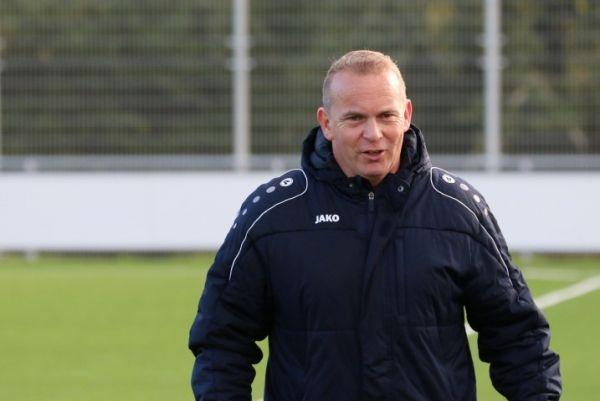 Mark Wijnreder stopt na dit seizoen als trainer bij vv Reutum